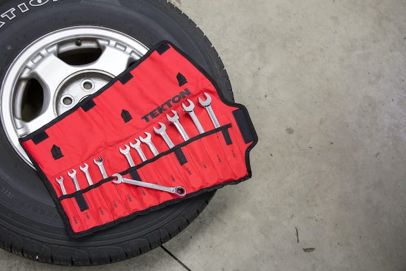 Tyre and tools